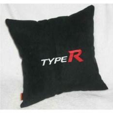 Черная с белой вышивкой подушка Honda Typer