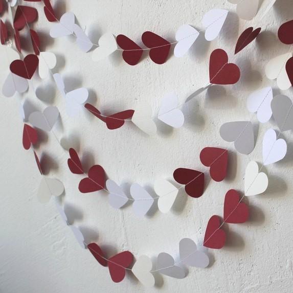 Гирлянда из сердечек, красно-белая (5 метров)