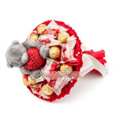 Букет из мягких игрушек и конфет Пламя любви