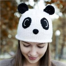 Вязаная шапка Панда