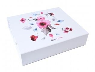 Подарочная коробка для подарков к 8 Марта
