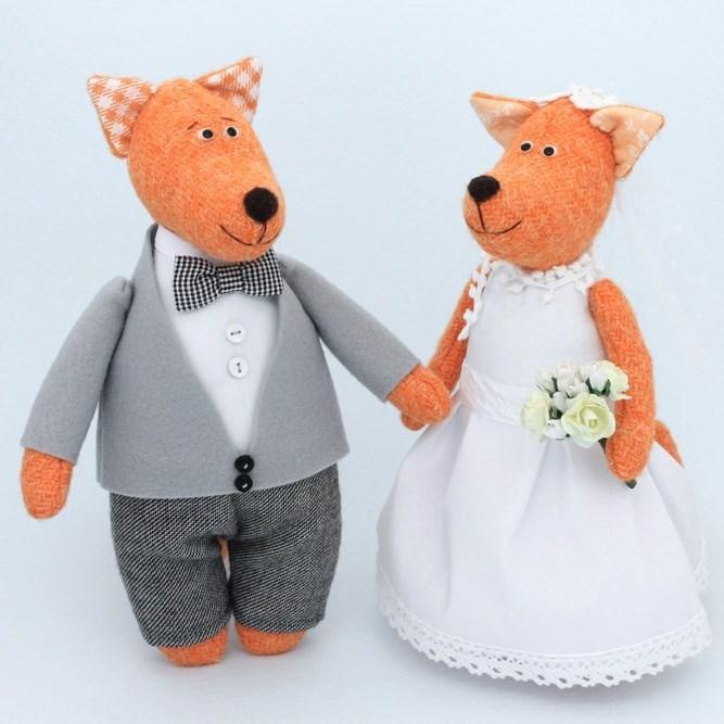Мягкая игрушка Свадебные лисы: жених и невеста