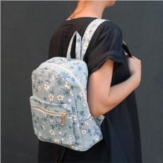 Голубой рюкзак Цветы