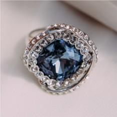 Кольцо с голубым кристаллом Сваровски «Роза»