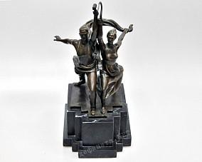 Бронзовая статуэтка «Рабочий и колхозница»