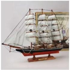 Декоративная модель из дерева Cutty Sark (высота 50 см)