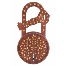 Ключница из дерева Замок