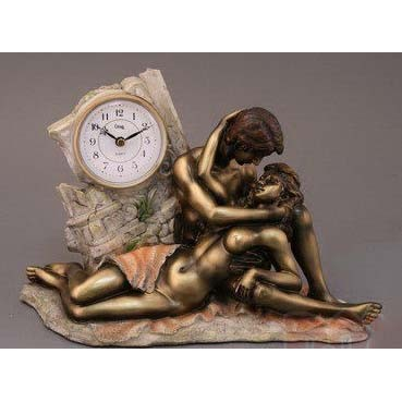 Часы декоративные «Влюблённая пара»
