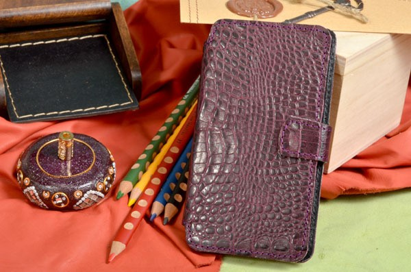 Универсальный кожаный чехол для телефонов с экраном 5.3-5.5