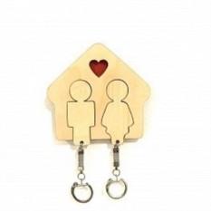 Деревянная ключница Любовь