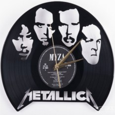 Часы из виниловой пластинки Металлика