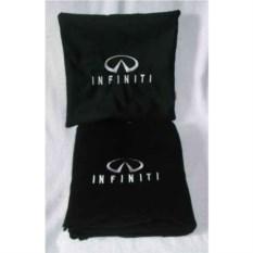 Черный плед с белой вышивкой Infiniti