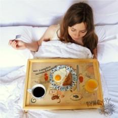 Столик для завтрака с гравировкой Бодрое утро