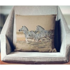 Декоративная наволочка Свободолюбивые зебры