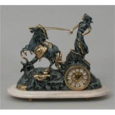 Оригинальные часы-фигура из бронзы Virtus