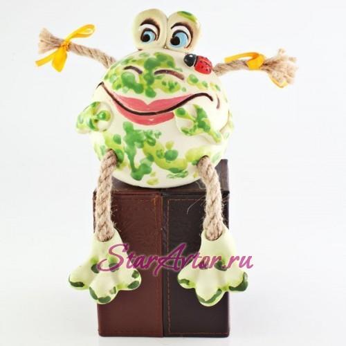 Авторская работа из керамики Красавица лягушка - копилка