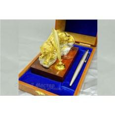 Настольный набор «Тигр» из золота и никеля