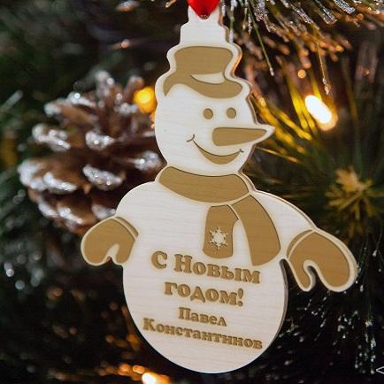 Деревянная ёлочная игрушка Снеговик