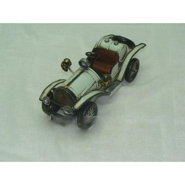 Модель Mercedes-bens
