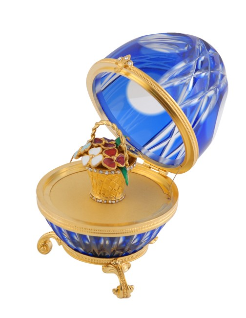 Яйцо Корзина синее, с белыми цветами