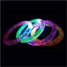Светящийся браслет на руку