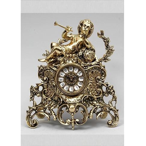 Часы бронзовые каминные Мальчик с трубой