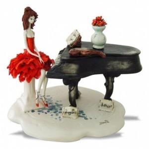 Коллекционная фарфоровая статуэтка Дама с фортепьяно