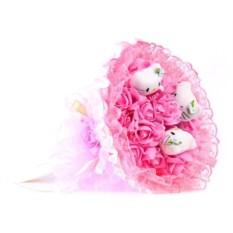 Букет из мягких игрушек Котята и розы розового цвета