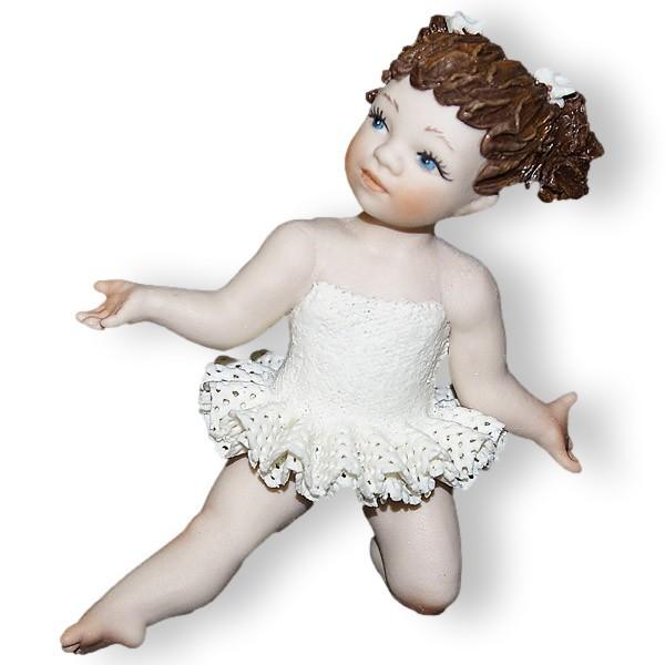 Кукла из фарфора Маленькая балерина в танце