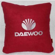 Красная подушка Daewoo