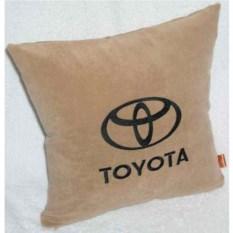 Бежевая с черной надписью подушка Toyota