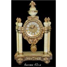 Настольные часы с колоннами (цвет — белый)