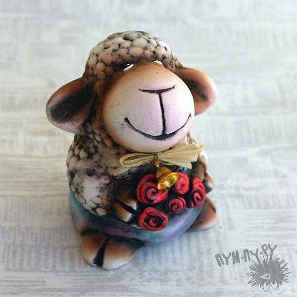 Сувенирная овечка Роза