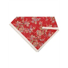 Красная скатерть с кружевом Ализарин