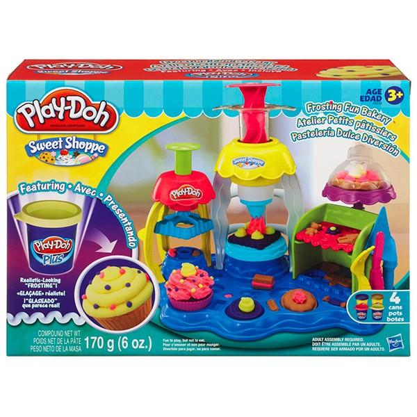 Игровой набор с пластилином Play-Doh Фабрика пирожных
