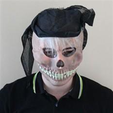 Маска скелета с волосами в бандане