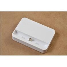 Белая док-станция для iPhone 6