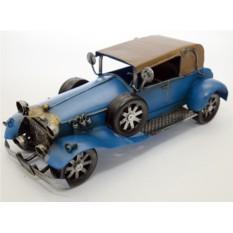 Модель ретро автомобиля