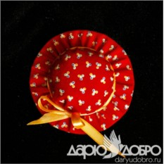Саше красного цвета Шляпка