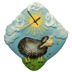 Настенные часы Овечка на лугу