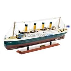 Модель корабля Титаник
