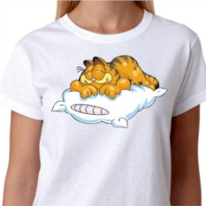 Женская футболка Кот Гарфилд на подушке