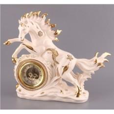 Интерьерные часы Белая лошадь Hangzhou Jinding