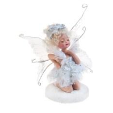 Фарфоровая статуэтка Ангелочек на снегу