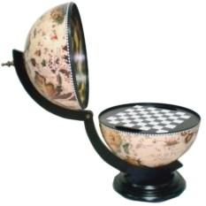 Необычные шахматы в форме глобуса