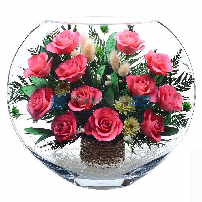 Композиция из живых розовых роз