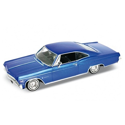 Модель машины 1:24 Chevrolet Impala 1965 Welly