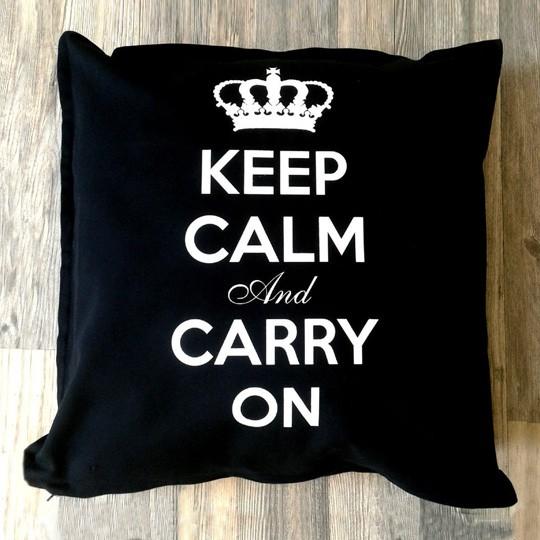 Черная подушка Keep Calm