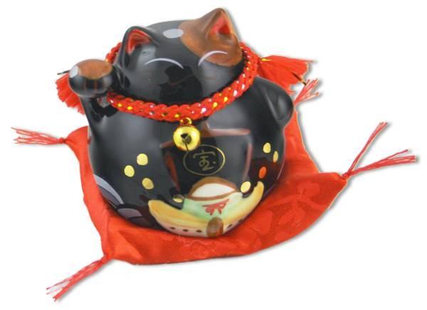 Японский кот-копилка Манеки-неко Богатство и защита от зла