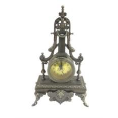 Настольные часы в старинном стиле